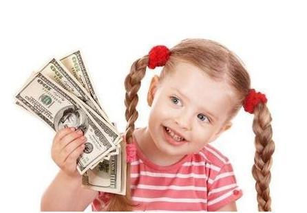 孩子到了这个年龄, 你就该给他零花钱了, 孩子买的东西能映射未来