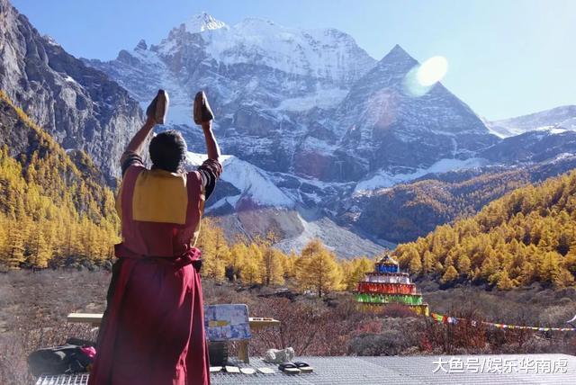 稻城—亚丁风景区位于四川甘孜藏族自治州南部,地处青藏高原东部,横断
