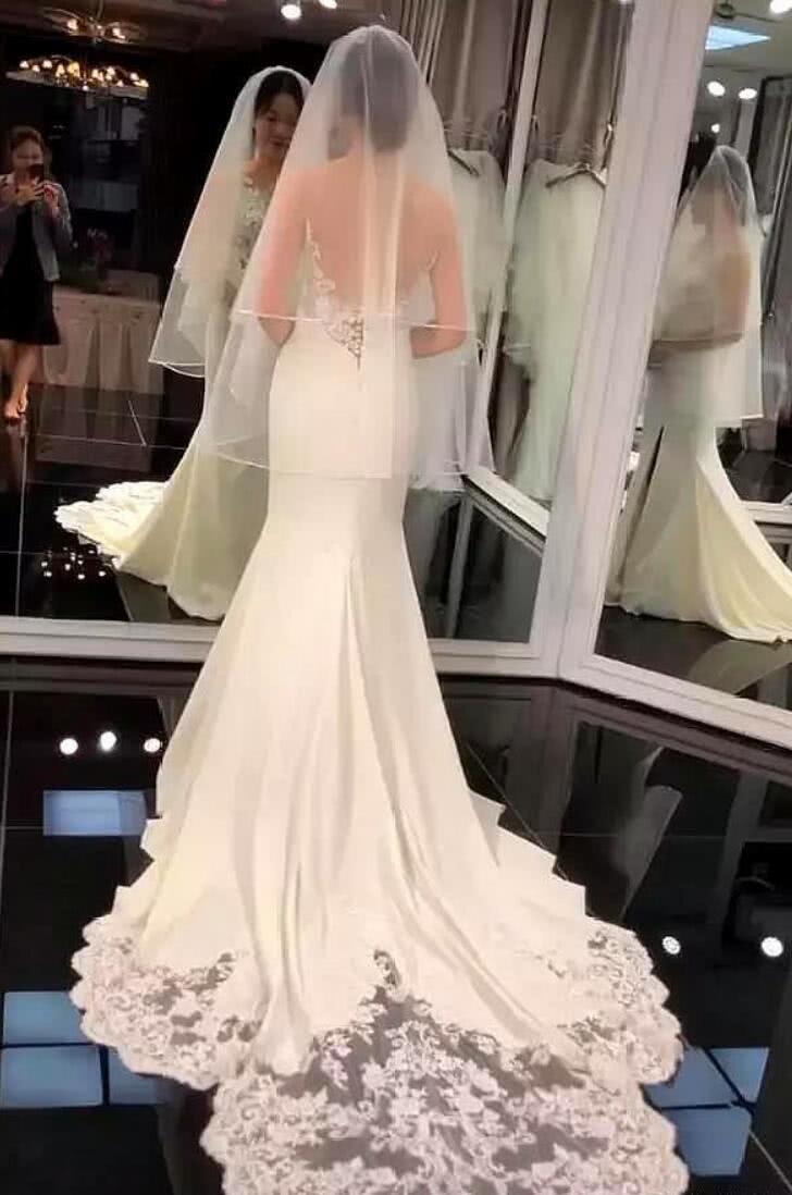抖音新娘试婚纱只露背影, 镜子暴露正脸, 九十斤的背影二百斤的脸