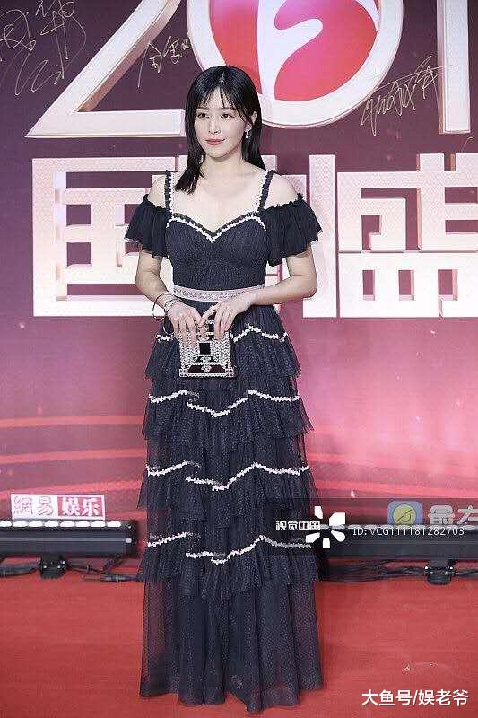 国剧盛典女明星未修图, 她美成仙女, 而她的脸却崩成这样?