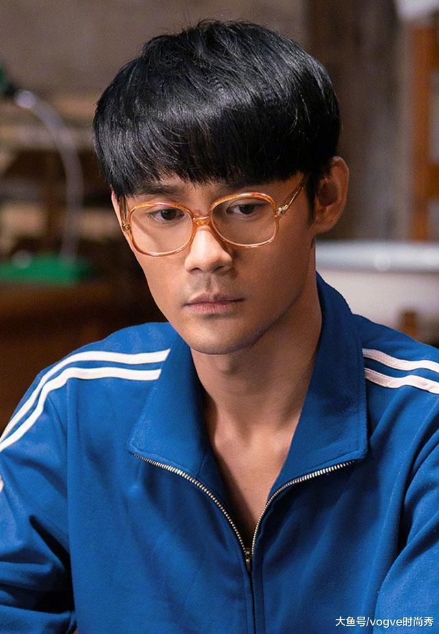 王凯换个发型像换了张脸,颜值轻松突破巅峰线