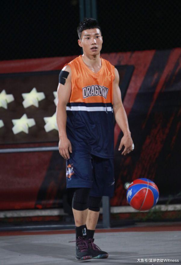 吴悠脱离职业赛场, 同样去自街头的他去了!