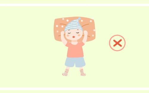 天气多冷都不能让宝宝这样睡, 很容易着凉生病, 新手宝妈了解一下