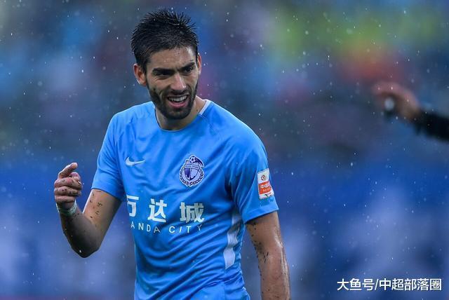 中国足球再现为难1幕: 中援去中超1年后, 身价下跌2000万欧元