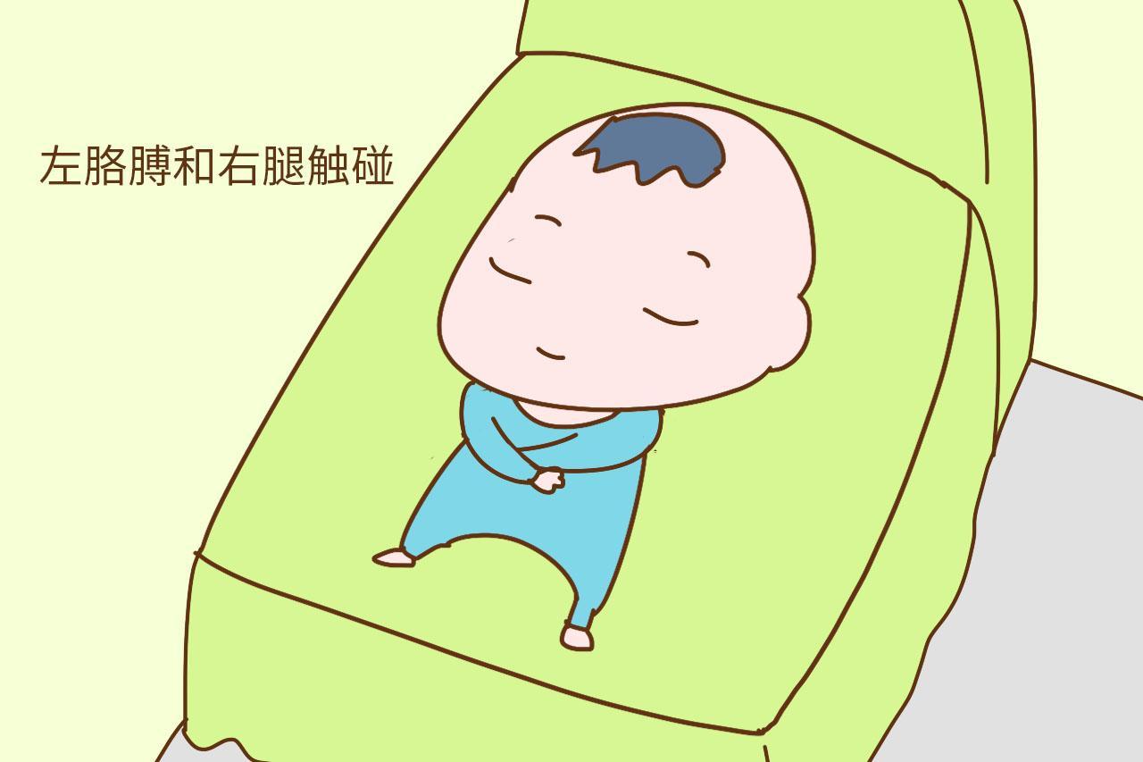 新生儿爱哭闹可能是肠胀气, 改善方法学起来, 孩子少受罪