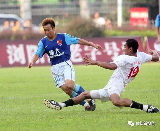 广东足球的自满: 卢琳击败恒年夜3国脚 胜利留任广东足球师长教师
