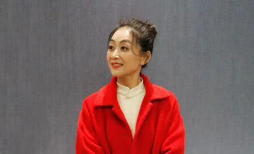 《都挺好》中的她,20年只吃水果,如今美翻,与杨丽萍有一拼!