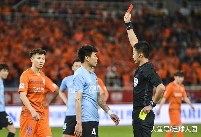 羞耻U23球员?韩国教父也要成就,退场95秒钟便被换下小将快哭了