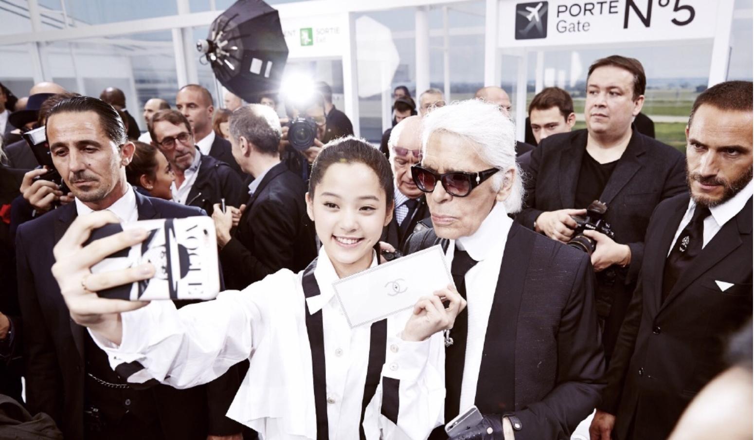 香奈儿魂魄人物老佛爷作古享年85岁,那些年他宠过哪些中国女明星
