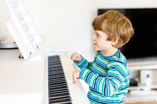 成人教钢琴常常泛起的4年夜题目,改良办法教给您!