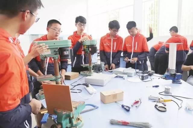 射洪中学:探索创新育人模式