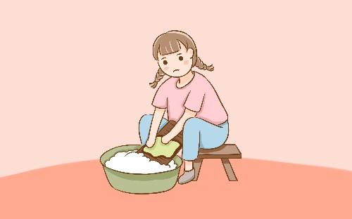 给宝宝洗衣服时用对方法很重要, 若是清洗不当, 可会伤害宝宝皮肤