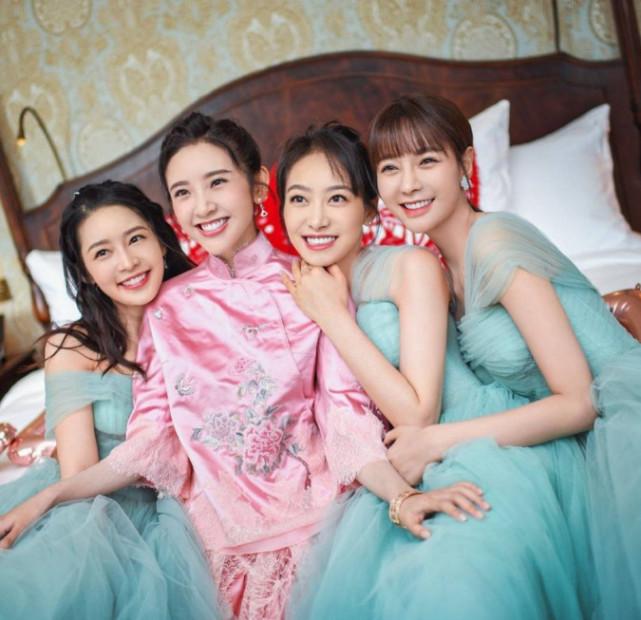张若昀唐艺昕大婚,伴娘李沁却意外走红,网友感慨:仙女下凡呀