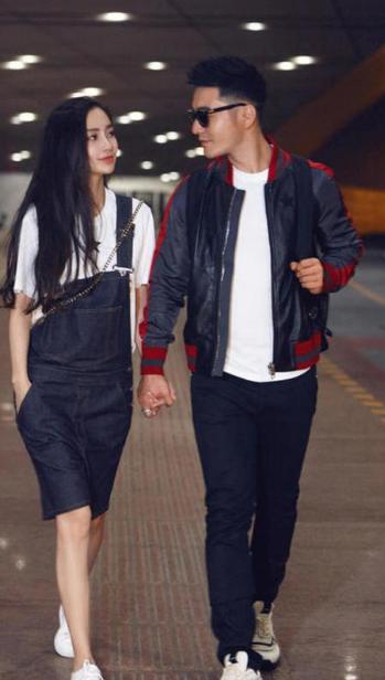 杨颖的穿搭很时尚亮眼,整体搭配尽显青春活力