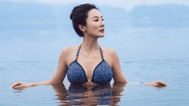 """她才是真正的冻龄女神,甩赵雅芝刘晓庆几条街,儿子称她为""""妖精"""""""