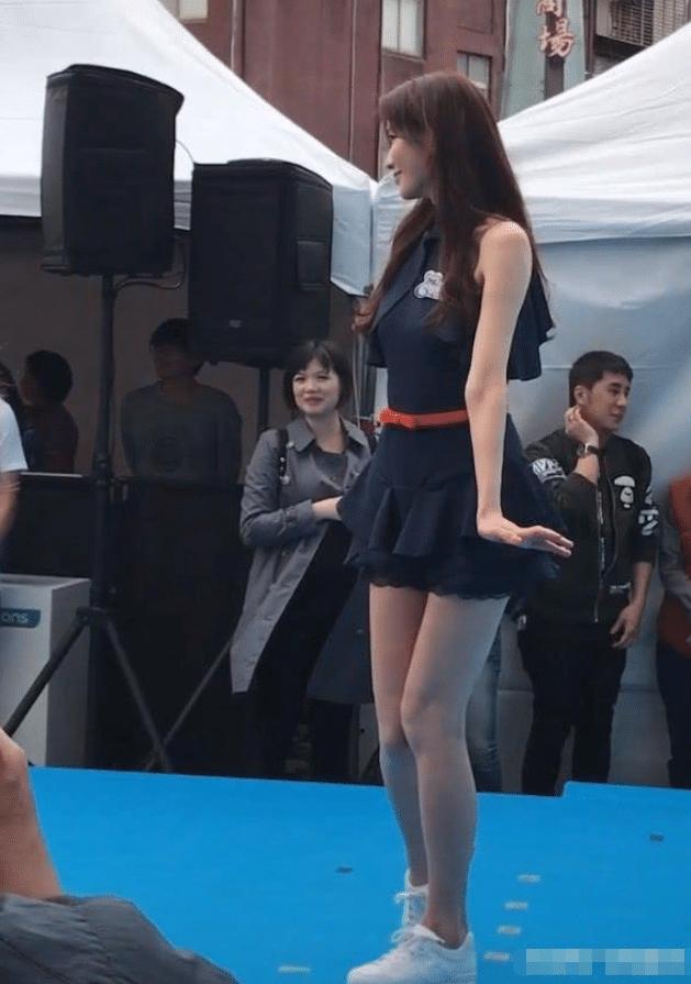 45岁林志玲嫁日本老公后风格突变?网友:再没有优雅清纯!
