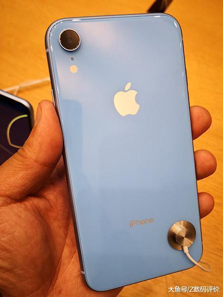 苹果最先发力了? 挪动劣先版iPhone XR 128GB版降至6099元