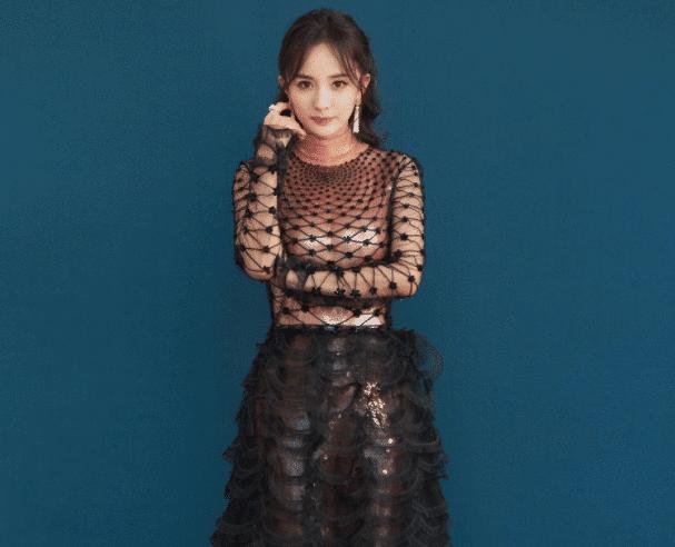 """33岁杨幂有多够味?当看到她的""""绑带渔网裙"""",网友:刘恺威亏大了!"""
