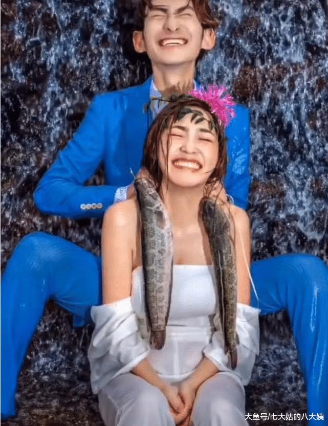 摄影师用两条鱼当讲具,新娘连连谢绝,成片出去后却冷艳了