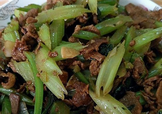 补钙健身好食,西芹炒羊肉,家常做法简略厚味