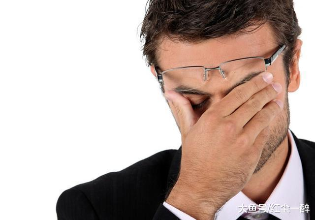 为什么许多员工有时候明知领导是错误的, 却仍然要屈从?