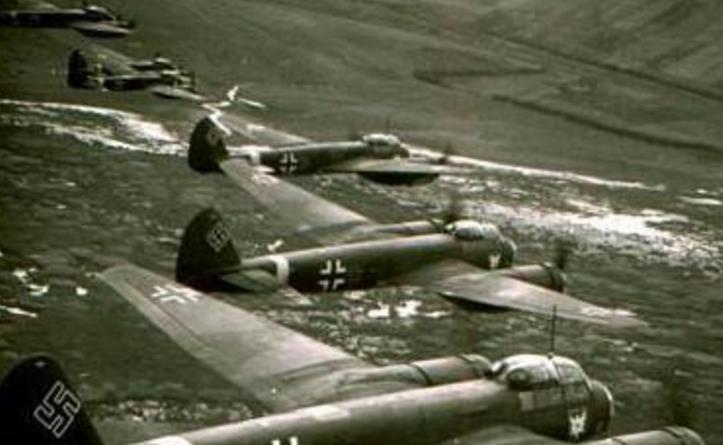 二战德军最牛飞行员:截肢后仍作战,最终成为特殊勋章唯一获得者