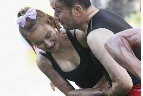 35岁吴昕,35岁蒋欣,35岁唐嫣,却为何都输给了35岁的她?