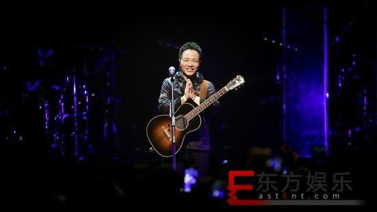 许巍新专《无尽毫光》尾唱会 许巍婉言: 我是世界上最幸运的人!