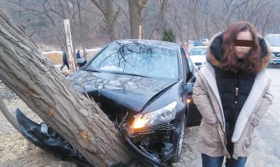 万一刹车失灵, 车主选择撞树还是撞墙呢? 老司机总结了一句话
