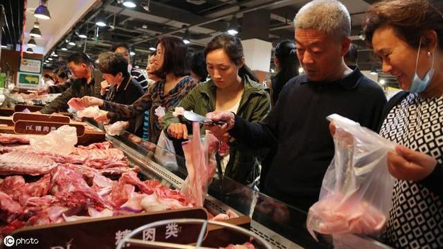 2019年12月3日猪价,猪肉上涨猪肉消费大减,受伤的国内养猪户