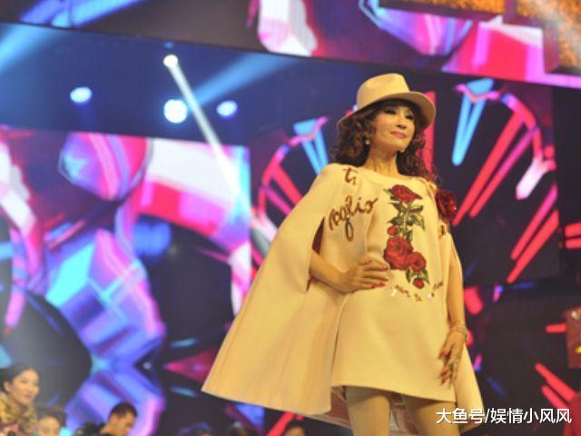 比杨丽萍都爱美, 31年不吃晚餐, 就连患癌时她都坚持化妆!