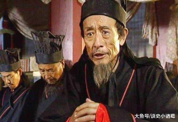 他是蜀汉最爱国学者,一句话拯救蜀汉全国百姓,不料却被骂成汉奸