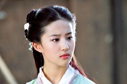 """5位有身体""""缺陷""""的女星,刘亦菲最奇怪,她却是生下就没有子宫"""