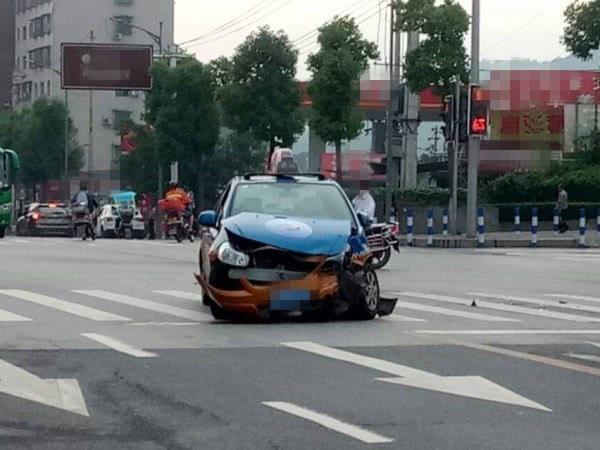 宁夏盐池 一出租车取公家车相碰 致4死5伤