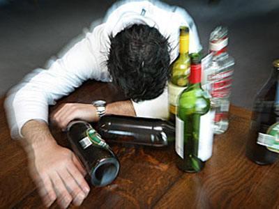 医生提醒: 酒后拉肚子, 可能与这4种原因有关, 最后一个却很危险