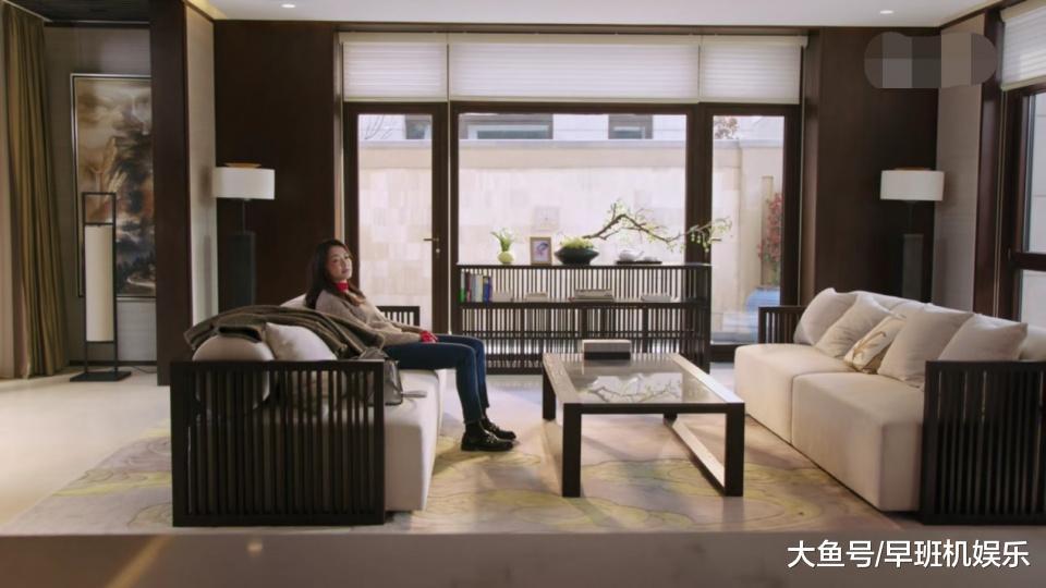 《皆挺好》苏明玉别墅值三万万,花150万购老宅,她年薪若干?
