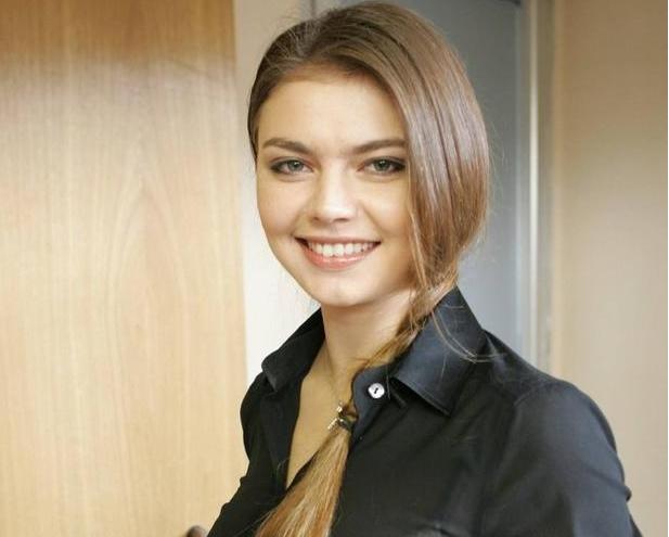 曾是俄罗斯体操女神,36岁依然没有结婚,孩子父亲至今不知道!