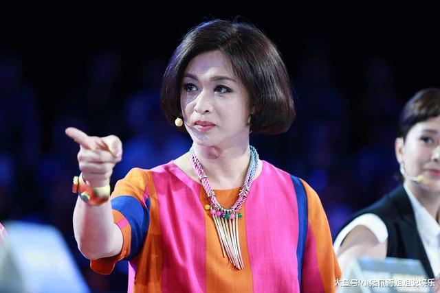 曾是最好的男舞蹈演员,变性后取杨丽萍比拟,冯小刚用10个字评价