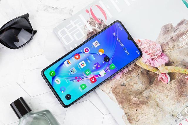 双十一值得入手的四款手机,性能与性价比兼备,你更看好哪一款?