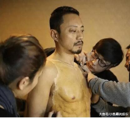 同为影帝:拍戏要供肌肉,张家辉花9个月健身,他却花27万揭膜!