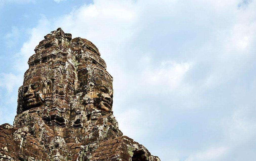 汗青事迹,高棉浅笑的巴扬寺