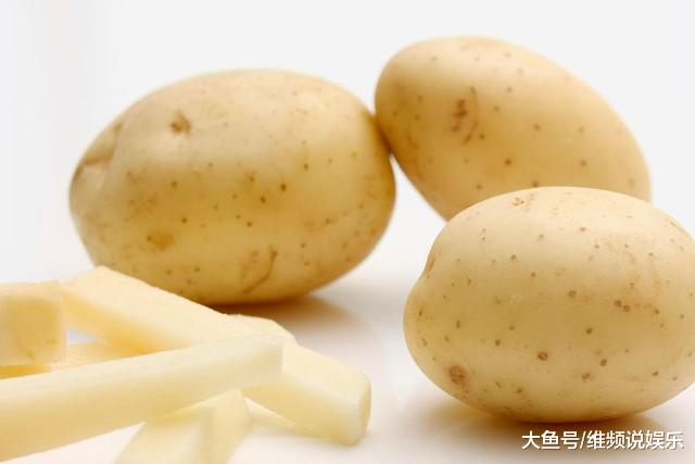 自己炸薯条总是软趴趴?记住两点根根酥脆