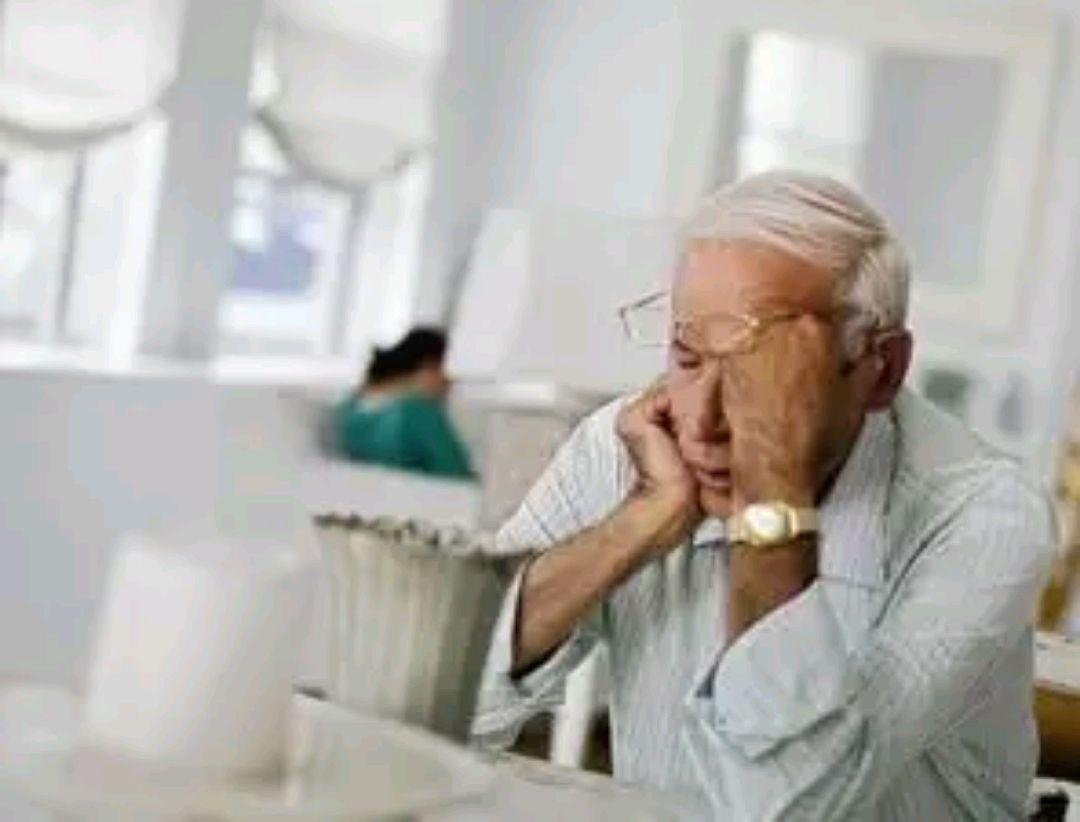 """老年人身上的""""老人味""""是怎样去的?大概和2个才能变差了有干系"""