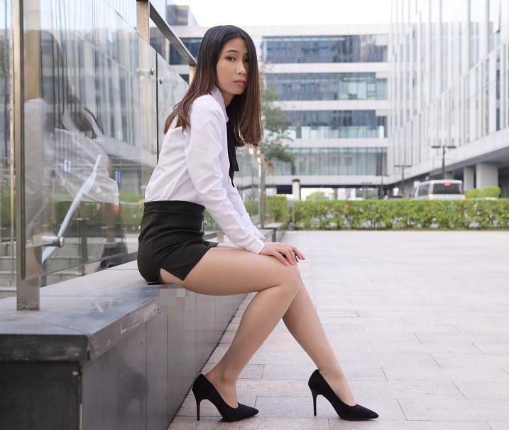 古典美女搭配都市职场风格,时尚简约又温婉大气