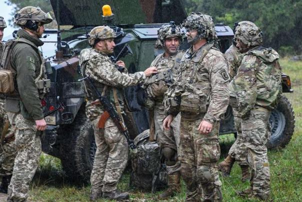 乌方再次失利士气低迷,总统前往鼓舞前线战士,却也参与其中
