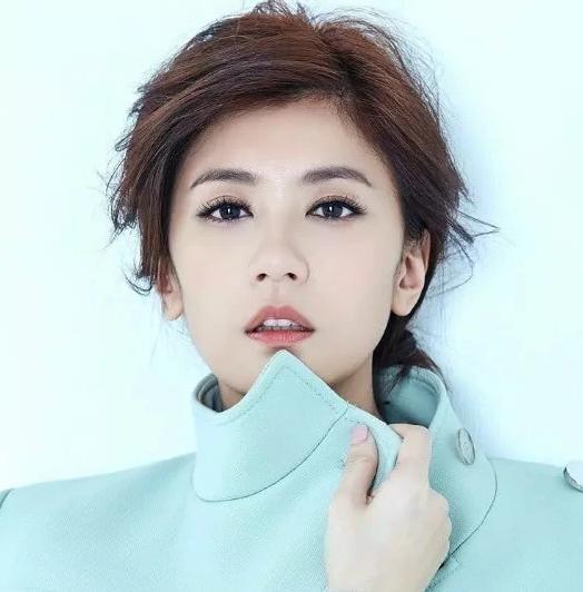 70后最美的五大女星,刘涛上榜,贾静雯第3,第一惊艳了时光
