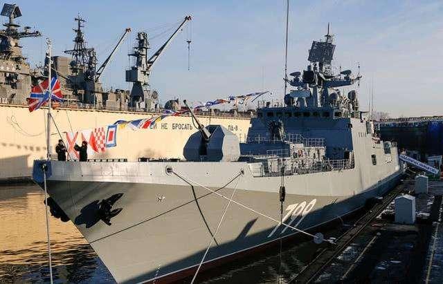 辽宁号姐妹舰被砸后,又一丑闻被踢爆,好:此次中国也易救