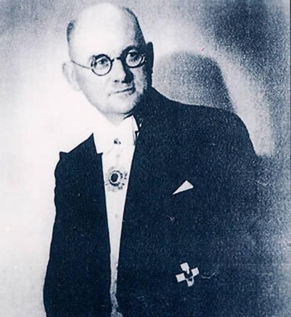 他是纳粹党员, 却拯救了25万北京易平易近, 谢绝中国约请, 凄凉离世