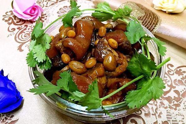木兰味道——花生黄豆炖猪蹄