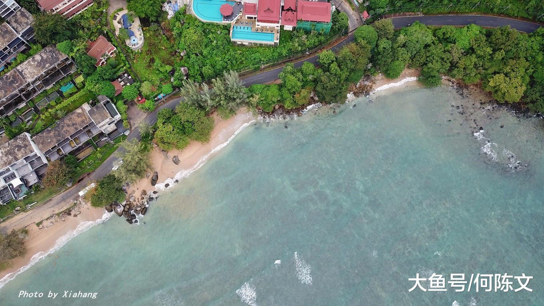 去普吉岛度假,我挑选在酒店发愣看海,您呢?